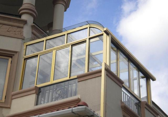 家有院落露台别浪费,这种阳光房人人都可以装得起,并且不算违建